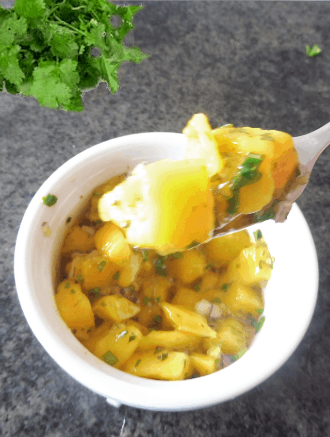 mango salad with coriander