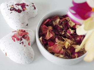 DIY bath bomb recipe with rose petals and essential oils