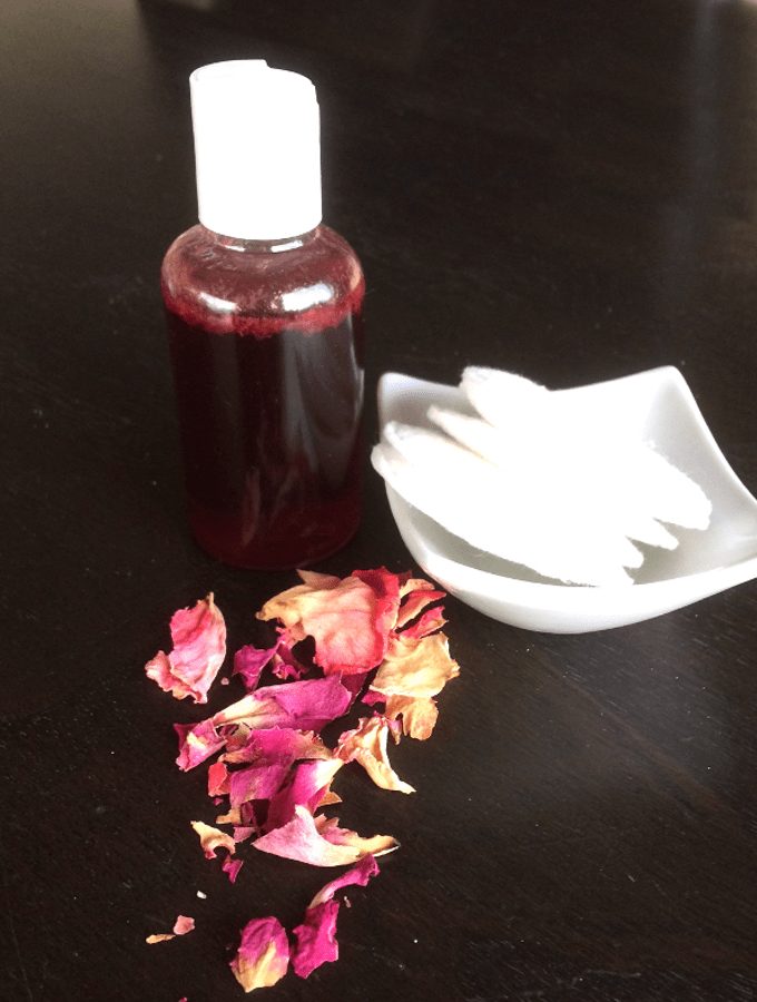 facial toner with aloe and roses