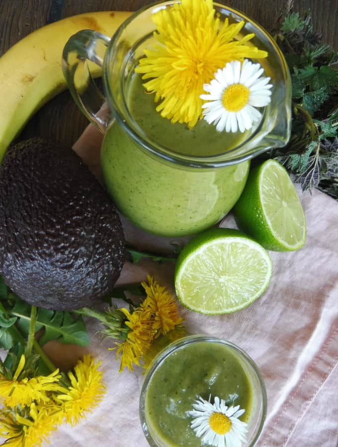 Green smoothie with dandelion and nettle