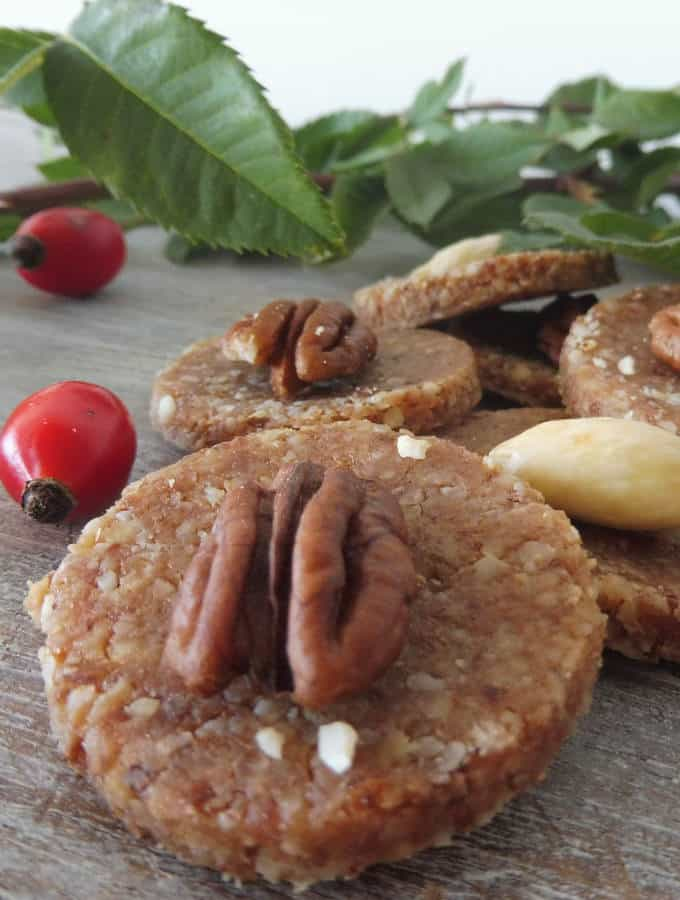 gluten free cookies with rosehips