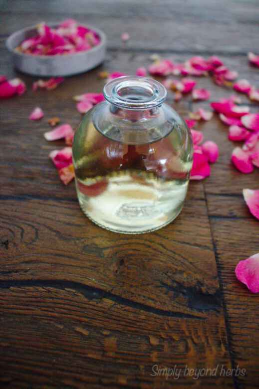 easy steps to make rosewater at home