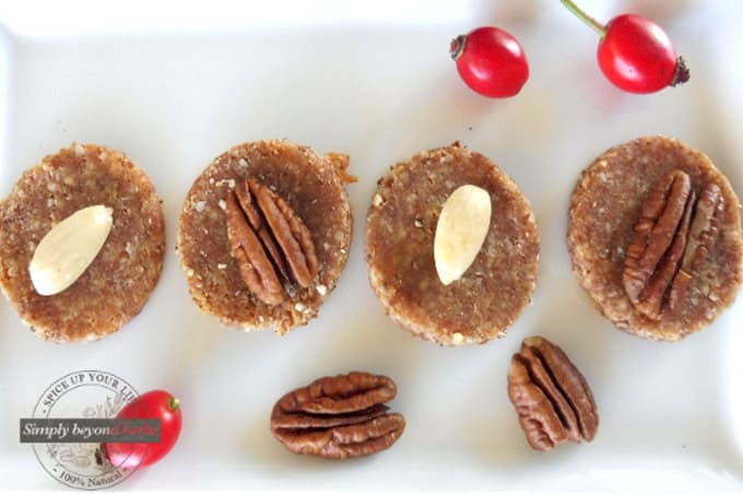 Raw rosehip cookies with almond flour