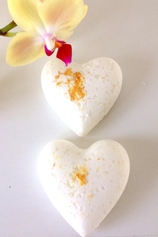 DIY lemon and coconut bath bomb recipe
