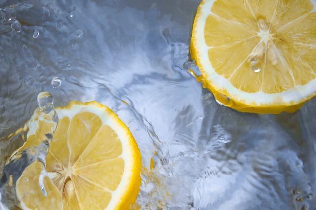 lemons in baths
