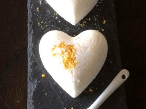DIY Lemon & coconut bath bomb recipe